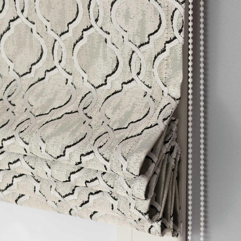 Римские шторы с орнаментом арабеска бежевого цвета