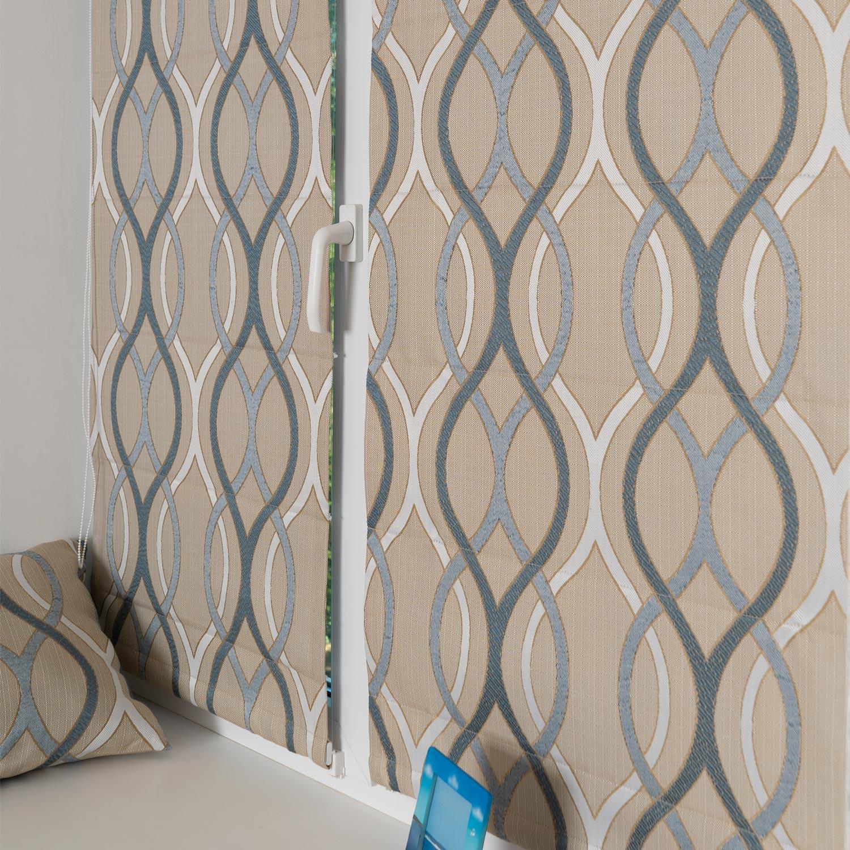Мини римские шторы бежевого цвета с орнаментом голубых оттенков