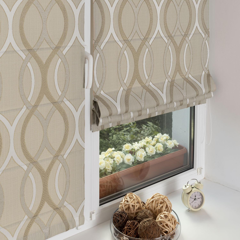 мини римские шторы бежевого цвета на пластиковом окне
