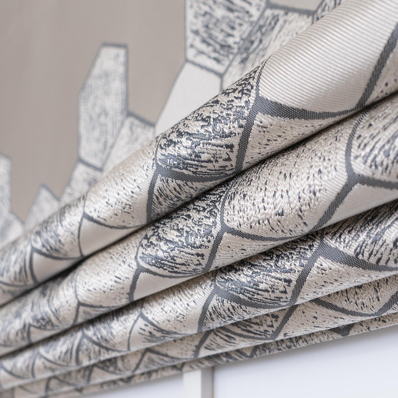 Римские шторы с геометрическим рисунком